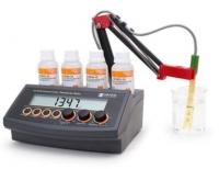 Máy đo độ dẫn điện và điện trở suất Hanna HI 2316