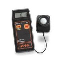Máy đo cường độ ánh sáng cầm tay Hanna HI 97500